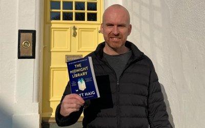 """""""Среднощната библиотека"""" – магичен портал към паралелни светове"""